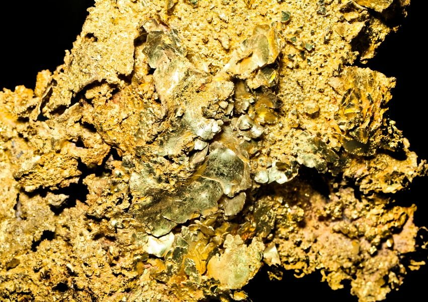 Close up on gold nuggets