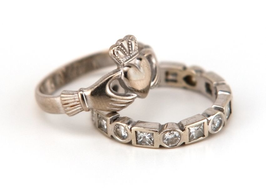 Photo of Irish claddagh ring