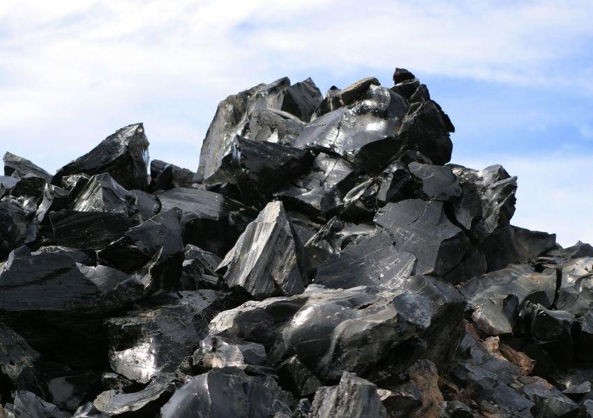 Mound of obsidian
