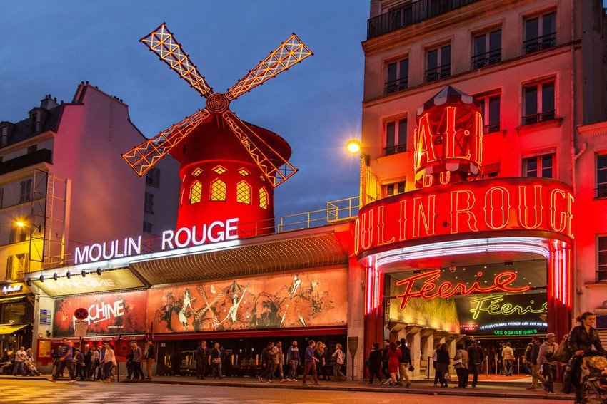 Photo of a windmill atop the Moulin Rouge theater