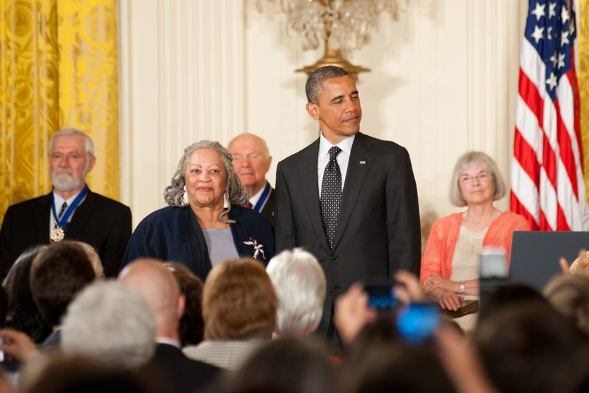 Photo of Toni Morrison standing next to Barack Obama