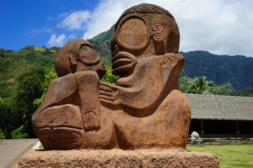 Photo of an ancient Tahitian statue