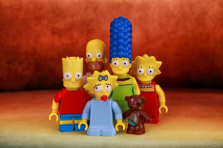 Lego figurines of the Simpsons family cartoons