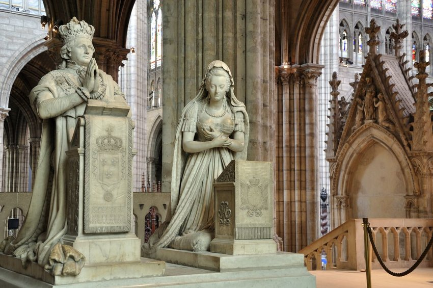 Memorial to King Louis XVI and Queen Marie Antoinette, Paris, France