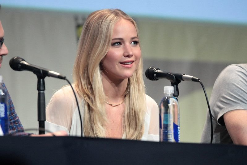 Jennifer Lawrence speaking at the 2015 San Diego Comic Con International