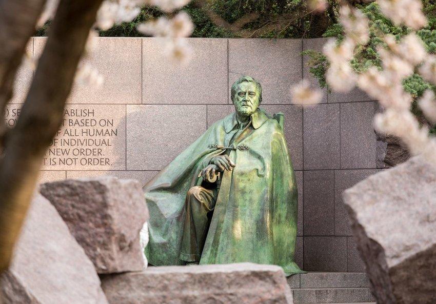Franklin Roosevelt statue
