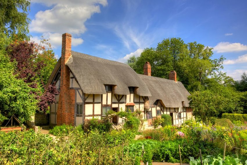 Anne Hathaway's famous thatched cottage and garden at Shottery